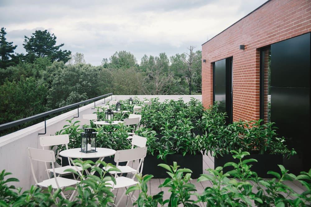 基本三人房 - 花園景觀