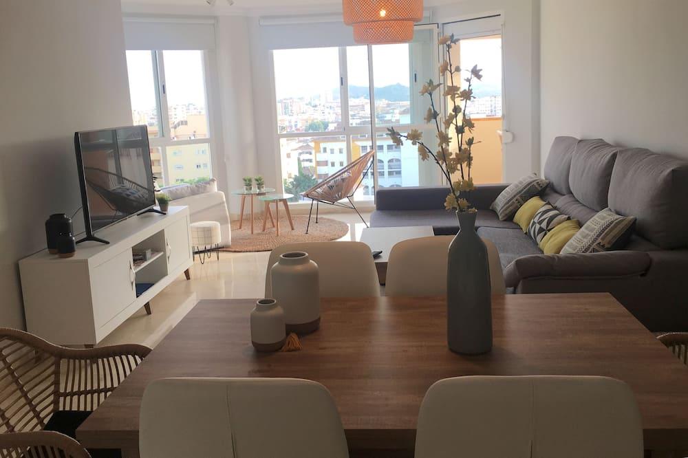 Penthouse, 2 hálószobával, terasz, kilátással a tengerre - Nappali