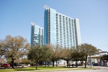 15 Closest Hotels to Houston Methodist Hospital in Houston