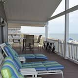 House, Multiple Beds (Spring Special$! As seen on HGTV**! Y) - Balcony