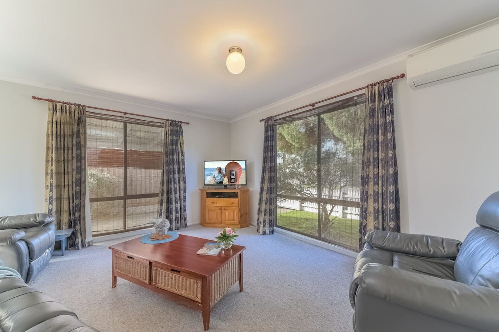 Casa, 3 habitaciones (2 Queen, 1 Tri-bunk) - Sala de estar