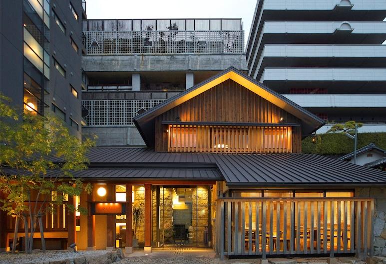 HOTEL DOGO YAYA, Matsuyama, Pohľad na hotel – večer/v noci