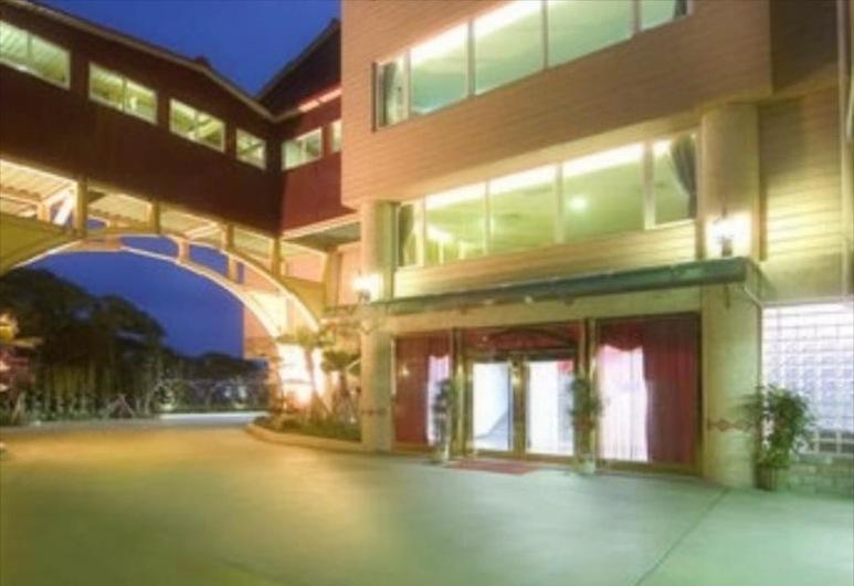 England Motel, Yilan, Išorė