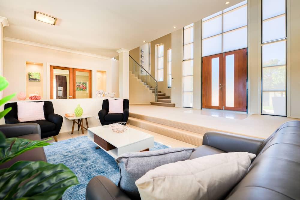 Deluxe Ev, 4 Yatak Odası - Oturma Odası