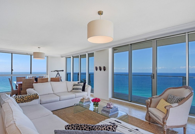 Oceanfront Luxury Sub-Penthouse, Surfers Paradise, Deluxe appartement, 2 slaapkamers, Woonkamer