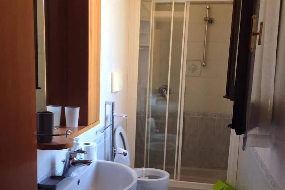 Single Room, Shared Bathroom - Bathroom