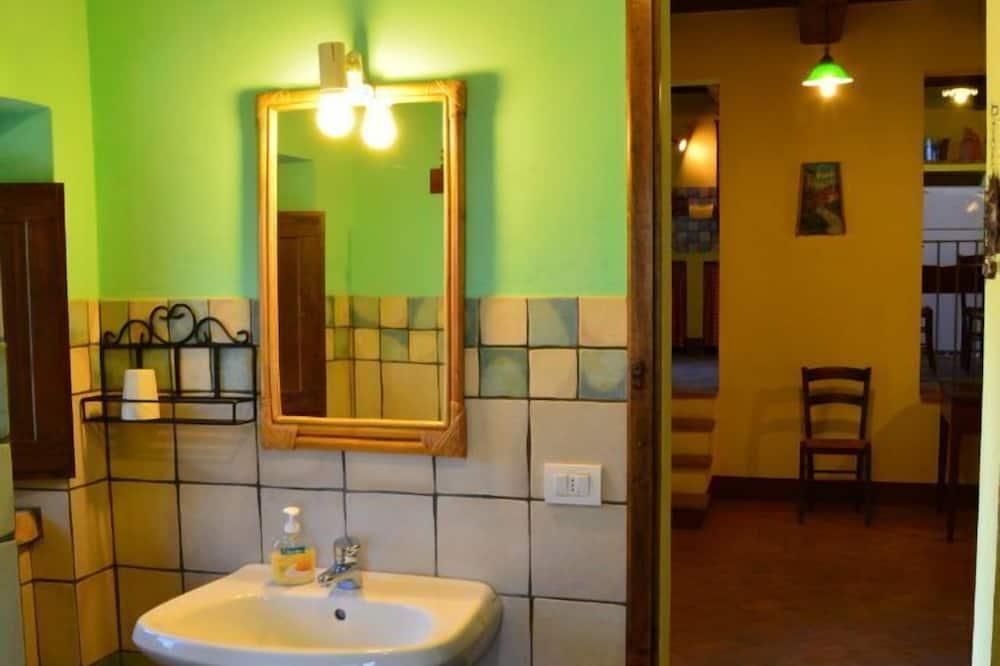 Comfort-Doppelzimmer, Gartenblick - Badezimmer