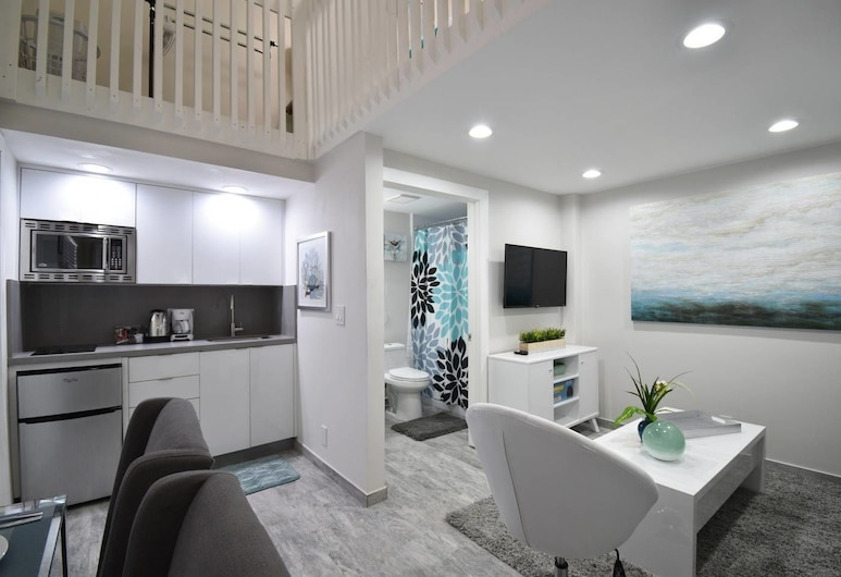 Boutique Beach Loft Steps From THE Ocean Unit # 2, Hollywood