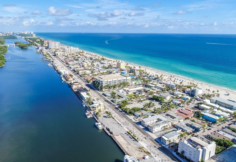 Trendy 1 BR W/parking Space & Walk to the Beach #8, Hollywood, Beach