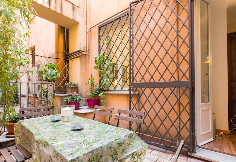 RSH Piazza Navona Lancellotti Apartment 2, Rome, Apartment, 2 Bedrooms, Terrace/Patio