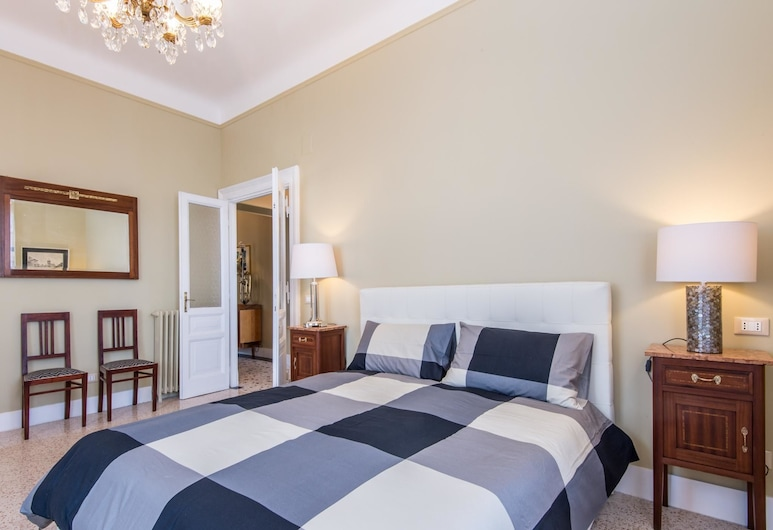 RSH Trastevere Bright Enchanting Apartment, Rome, Chambre
