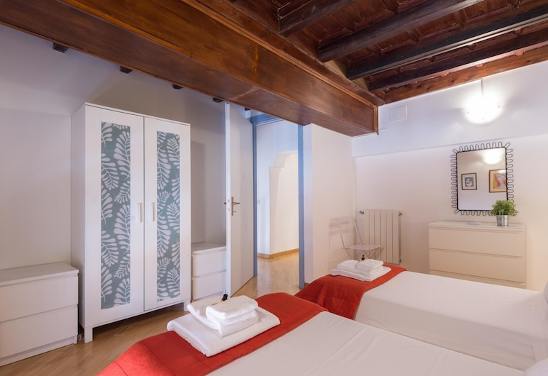 RSH Vittoria Enchanting Apartment, Rome, Apartment, 3 Bedrooms, Room