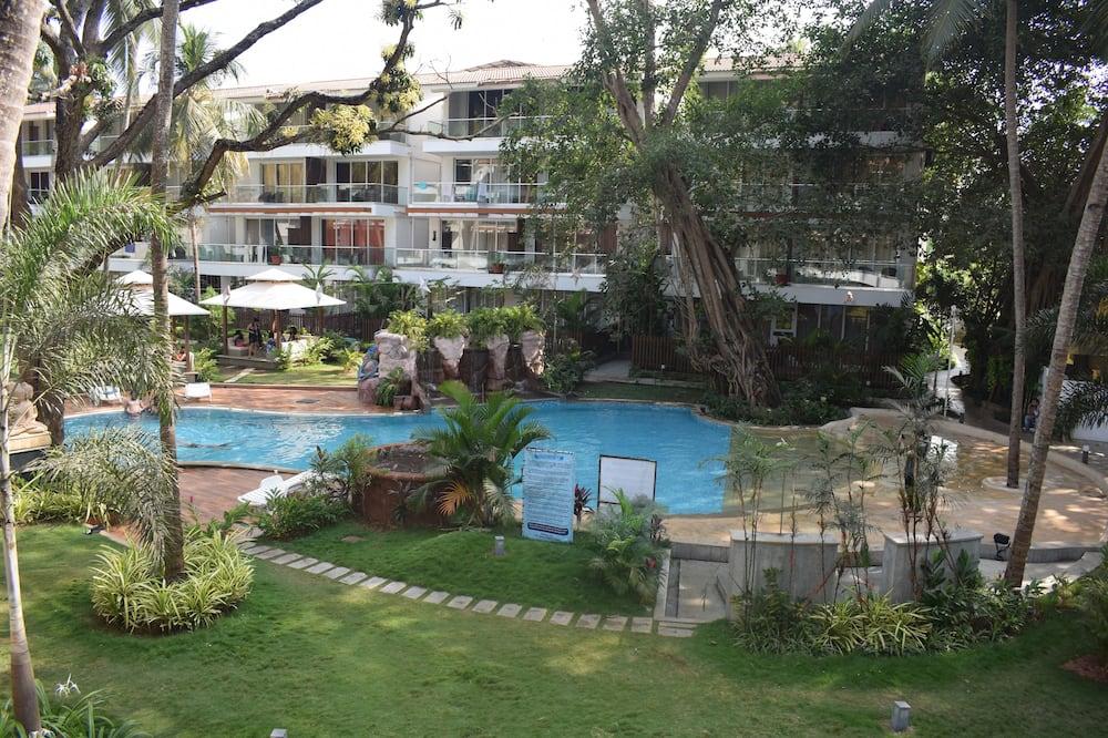 豪華公寓, 吸煙房, 泳池景 - 露台景觀