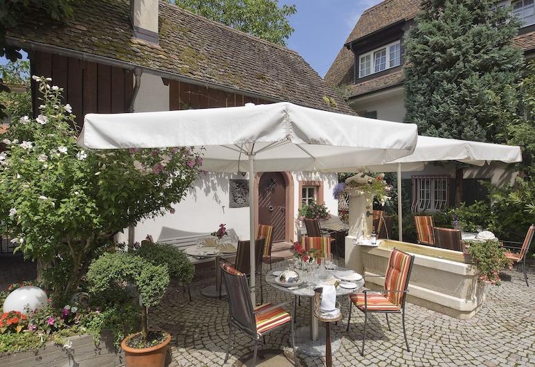 Hotel-Restaurant Adler, Weil am Rhein, Terraza o patio