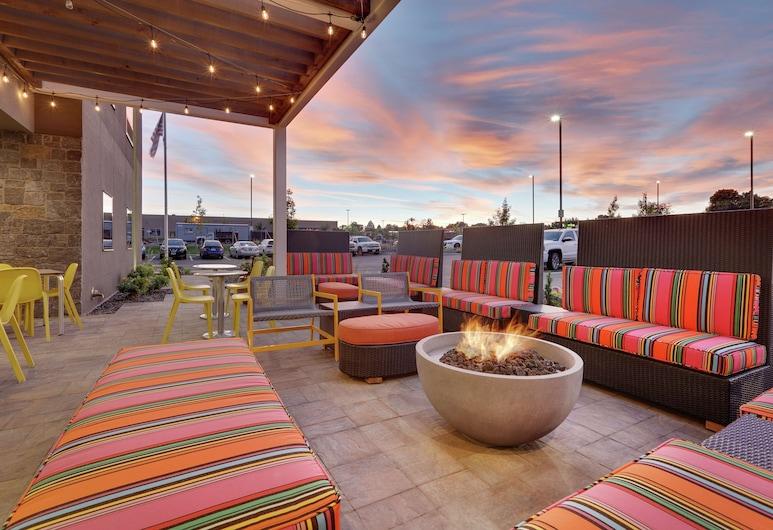 Home2 Suites by Hilton Yakima Airport, Yakima, Terraço/pátio