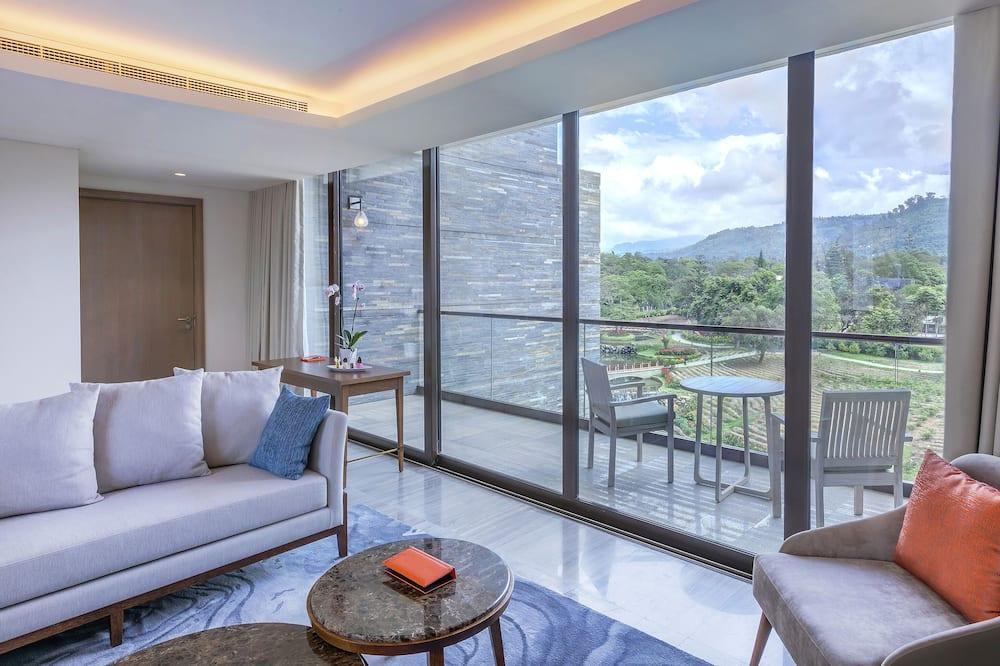 Junior Suite (Red Level) - Living Room