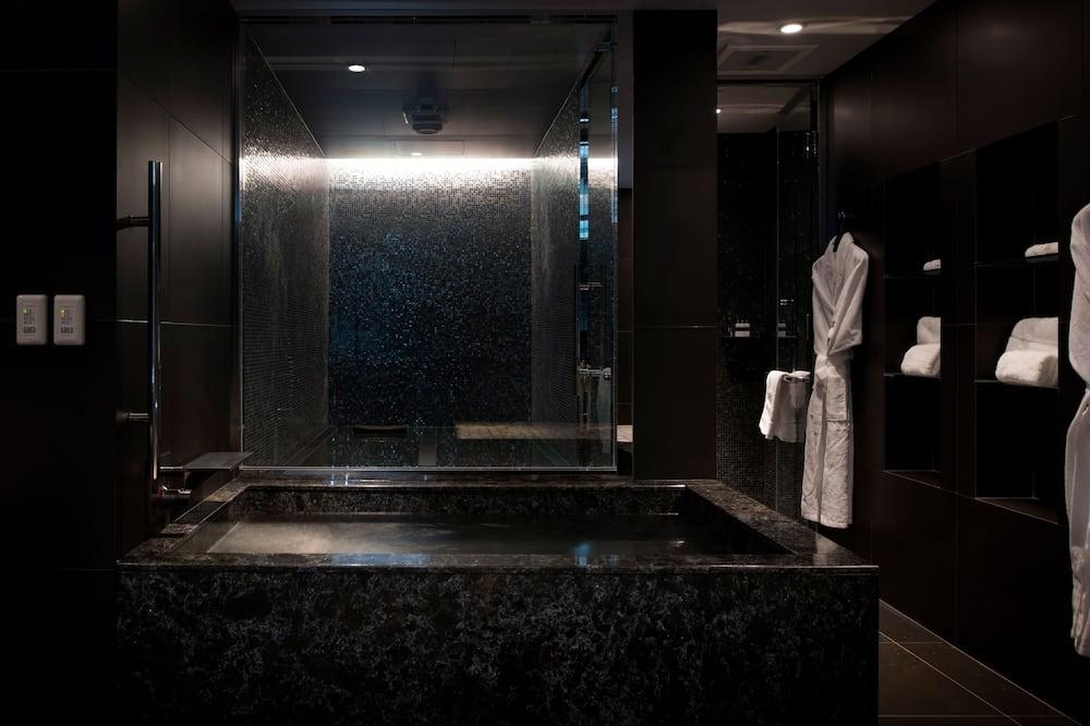 Spa Suite - Bathroom