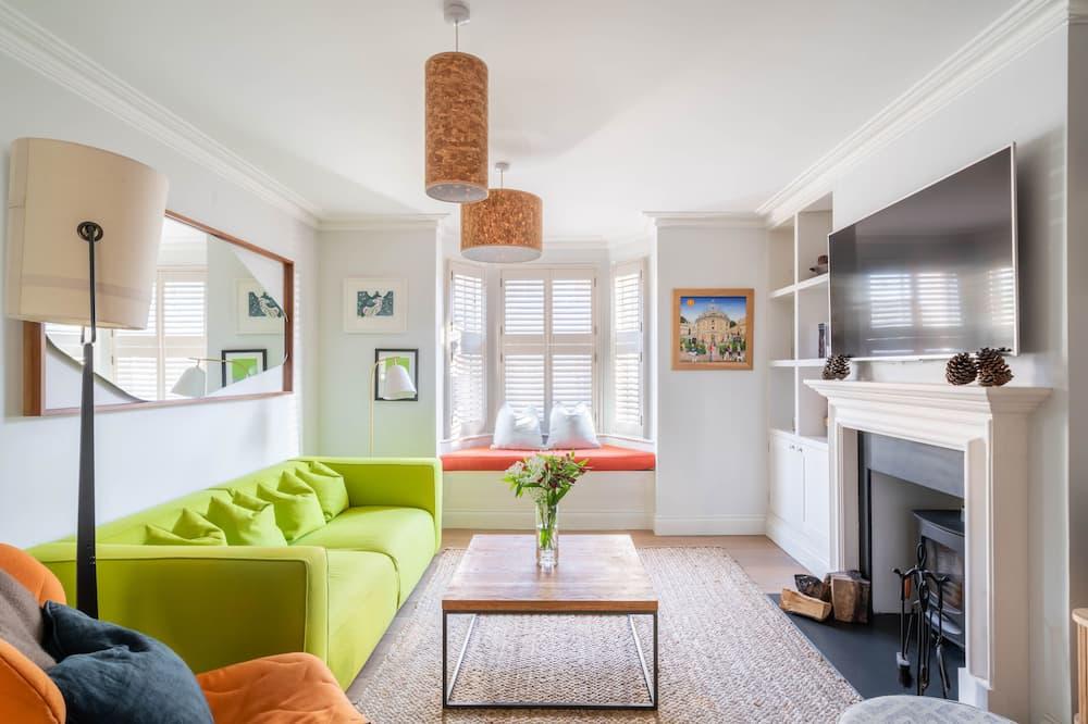 Luxury Townhome, 5 Bedrooms - Living Area