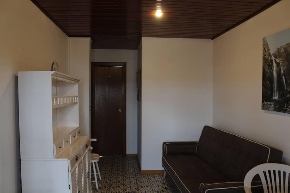 Fælles sovesal - mænd/kvinder - fælles badeværelse (1 bed in a 4-Bed Dormitory Room) - Stue