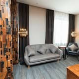 Business Studio Suite, 1 King Bed, Non Smoking, City View - Guest Room