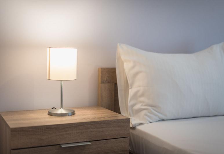 Κεντρικό και άνετο διαμέρισμα με μπαλκόνι από την Cloudkeys, Αθήνα, Comfort Διαμέρισμα, 1 Υπνοδωμάτιο, Ισόγειο, Δωμάτιο