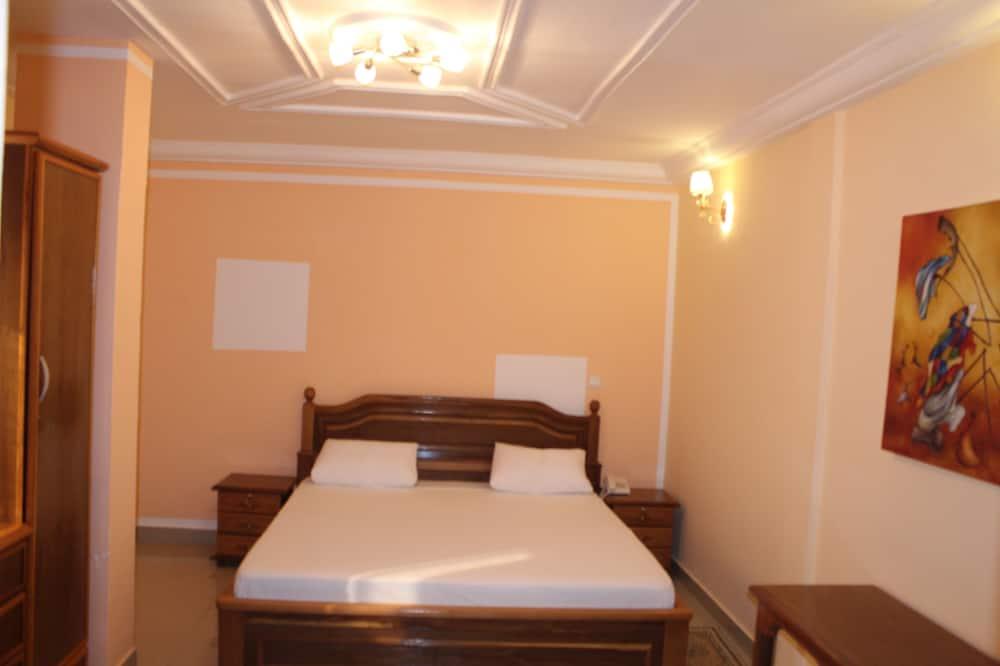 Double or Twin Room, 2 Single Beds, Non Smoking - Bathroom
