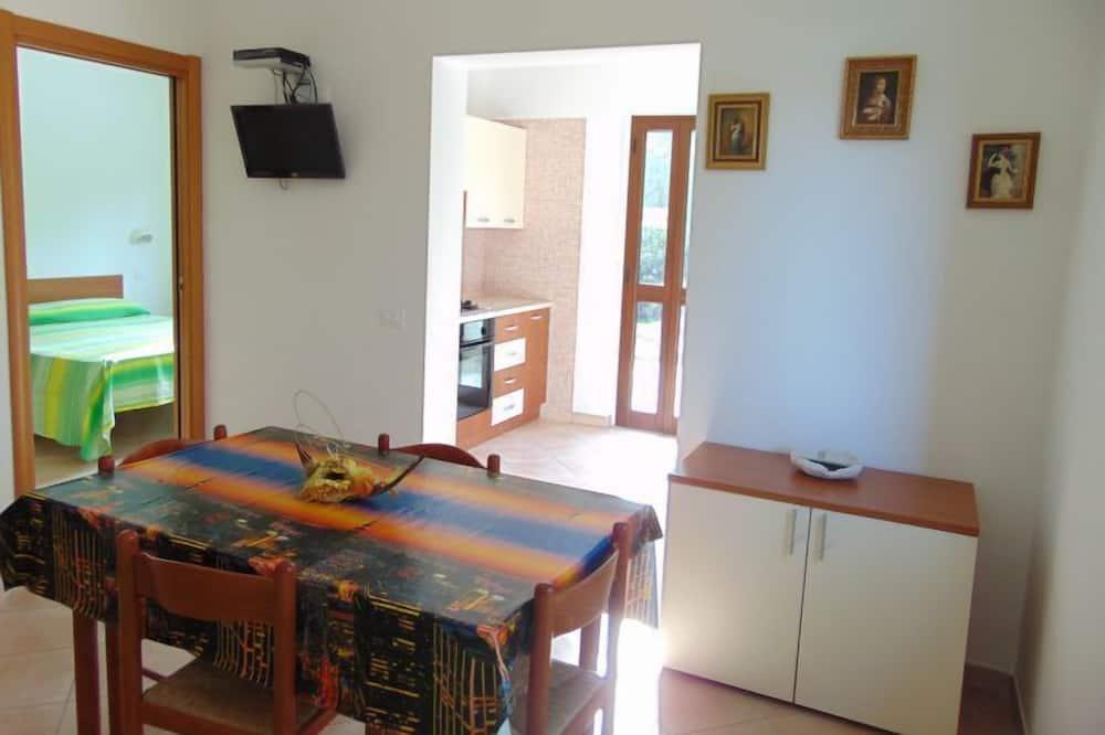 Külaliskorter, 2 magamistoaga - Einetamisala toas