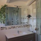 Double or Twin Room (Rossa) - Bathroom