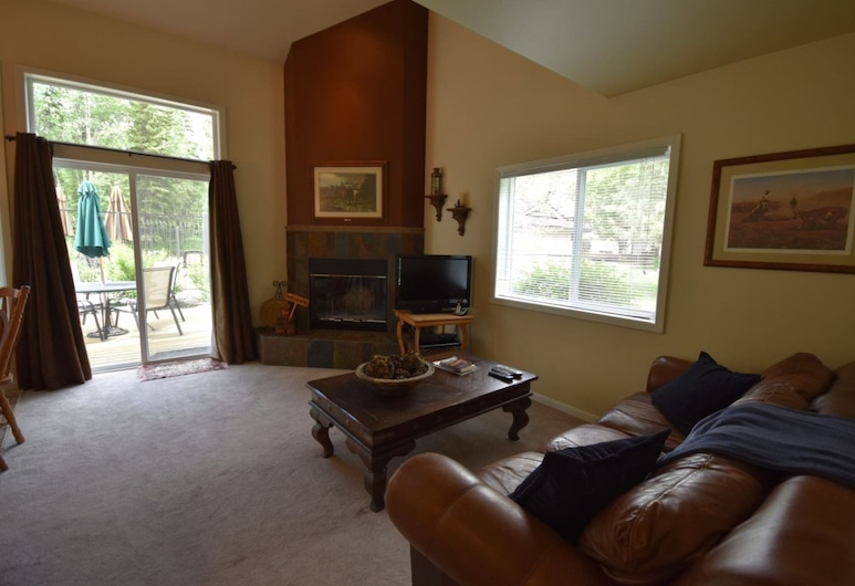 Mountain Harbor #204  2 Bedroom Condo, Whitefish, House, Living Area