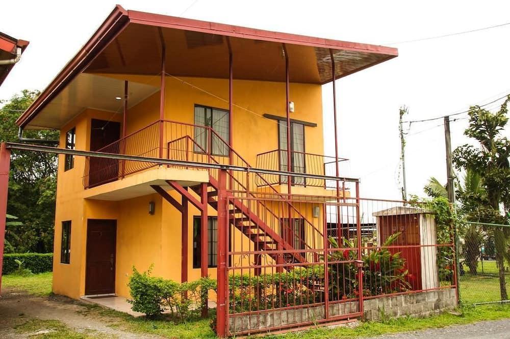 Apartment, 2 Bedrooms, Mountain View (2nd Floor) - Imej Utama