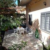شقة كلاسيكية - عدة أسرّة - تجهيزات لذوي الاحتياجات الخاصة - منظر للحديقة - حديقة