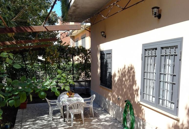 L'Angoletto Casa Vacanze, Ciampino, Classic Condo, Multiple Beds, Accessible, Garden View, Garden