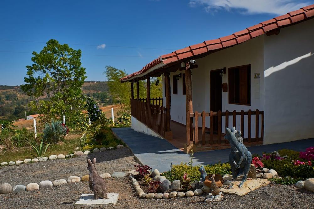 Puhkemaja, 1 magamistoaga, erivajadustele kohandatud, vaade mägedele - Vaade aiale