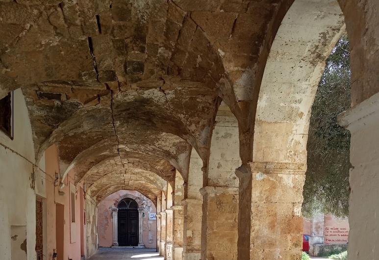 老城修道院精品旅館, 干尼亞, 奢華單棟房屋, 庭園景, 陽台