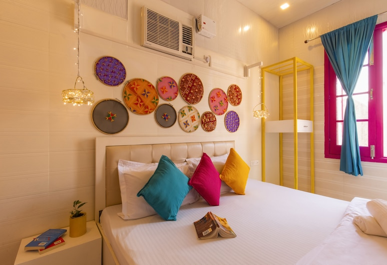 goStops Mumbai, Mumbai, Basic Double Room, 1 Double Bed, Non Smoking, Guest Room