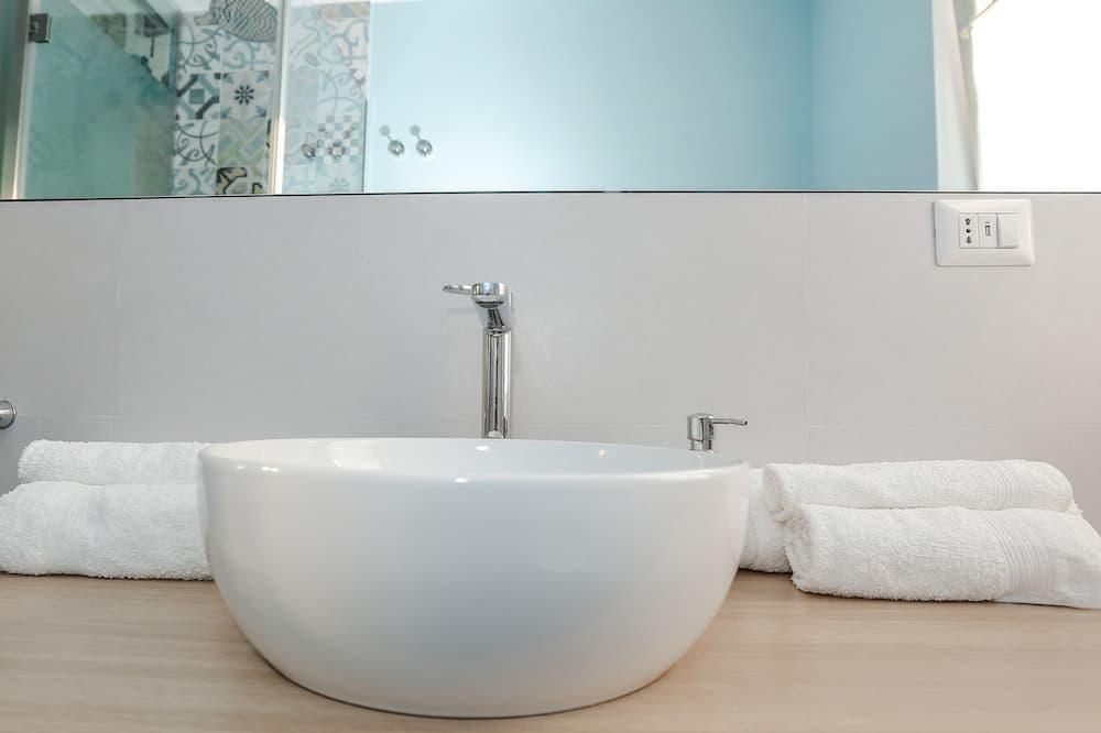 ลอฟท์สำหรับครอบครัว, เตียงควีนไซส์ 1 เตียง และโซฟาเบด, วิวภูเขา - ห้องน้ำ