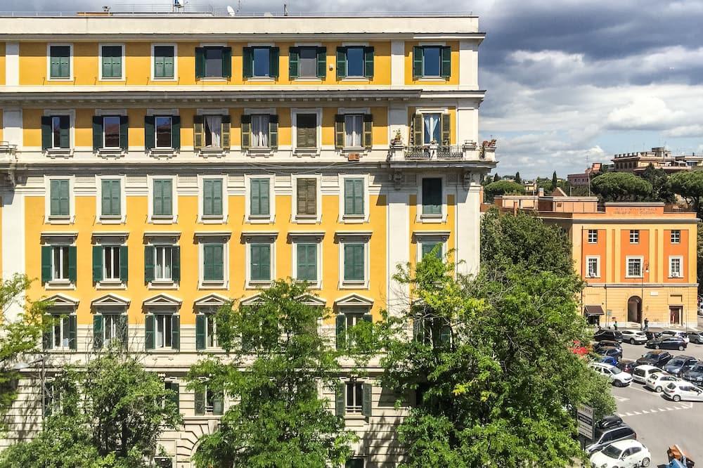 Habitación doble estándar, 1 cama Queen size, vista a la ciudad - Vista a la ciudad