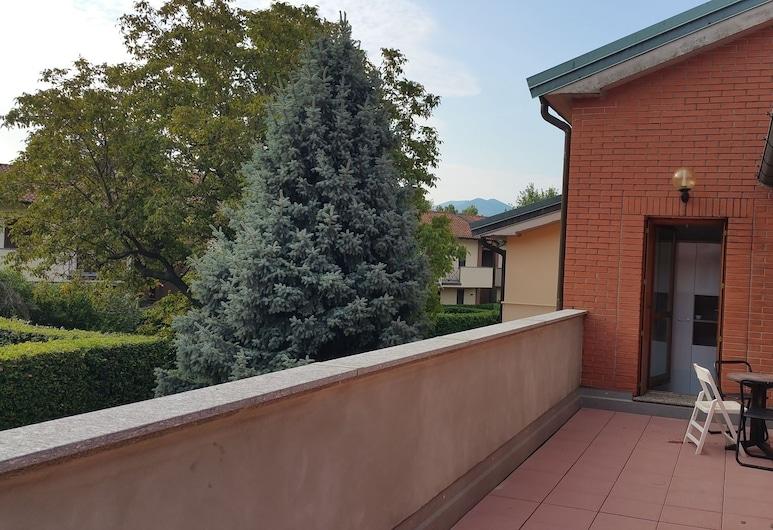 Ostello Casa Emmaus, Maccagno con Pino e Veddasca, Terrace/Patio