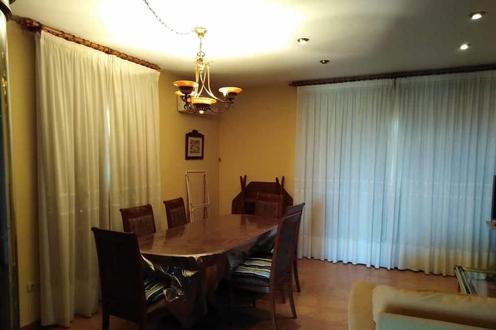 Διαμέρισμα, 2 Υπνοδωμάτια, Βεράντα - Γεύματα στο δωμάτιο