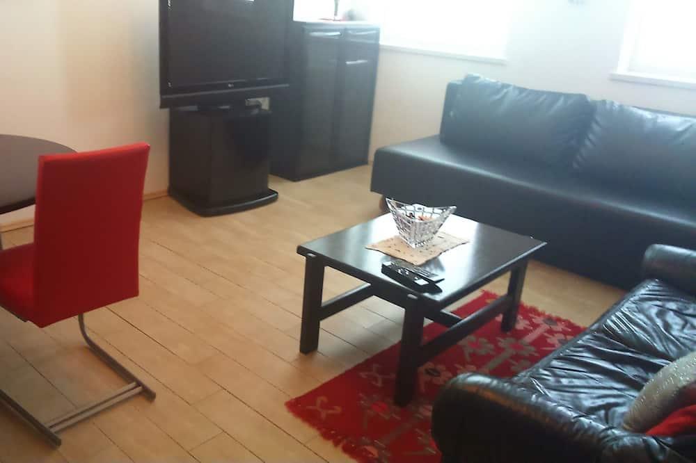 Deluxe Apartment, 1 Bedroom, Garden View - Living Area