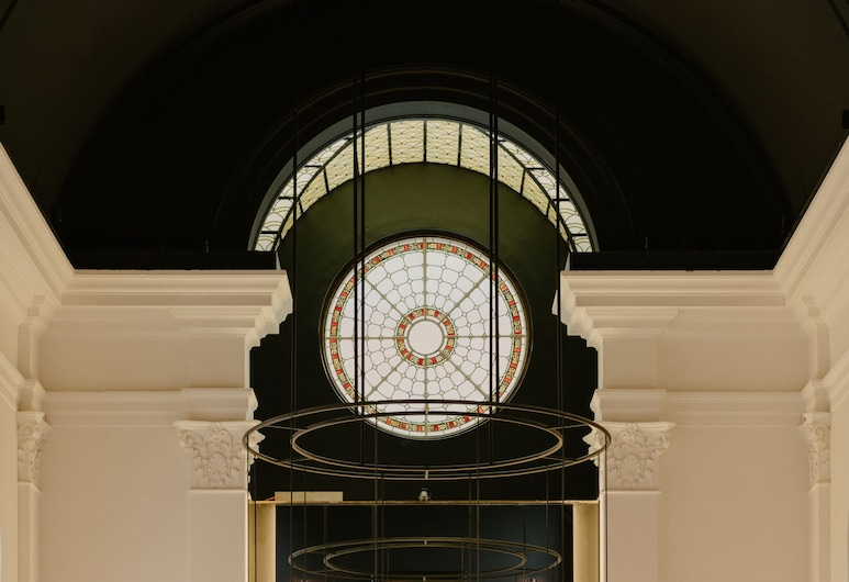 August, Antwerpen, Hotelbar