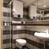 Double Room, 2 Twin Beds, Non Smoking, City View - Bathroom