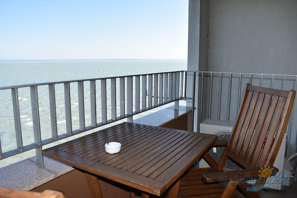 Panoramic Apartment, Lake View (Junior) - Terrace/Patio