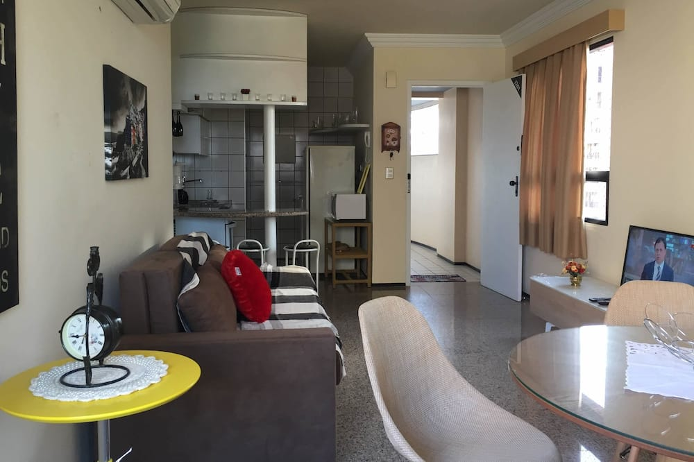 Apartman, Više kreveta, pogled na plažu - Dnevni boravak