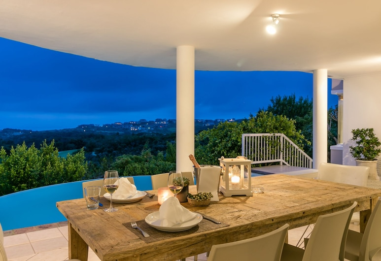 Compass Property Solutions, Knysna, Outdoor Dining