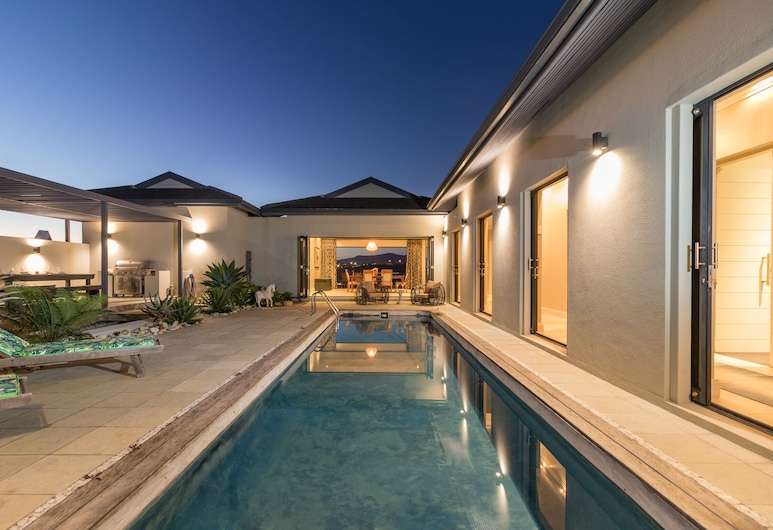Compass Property Solutions, Knysna, Pool