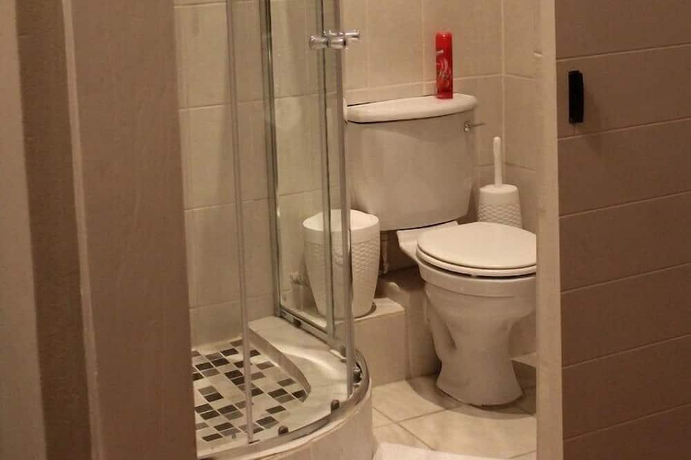 ห้องคอมฟอร์ทดับเบิล, เตียงใหญ่ 1 เตียง - ห้องน้ำ