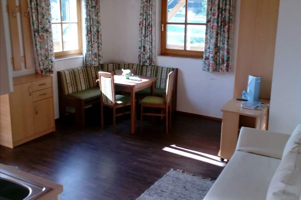 Classic Apartment, 1 Double Bed with Sofa bed, Non Smoking, Garden View - Living Area