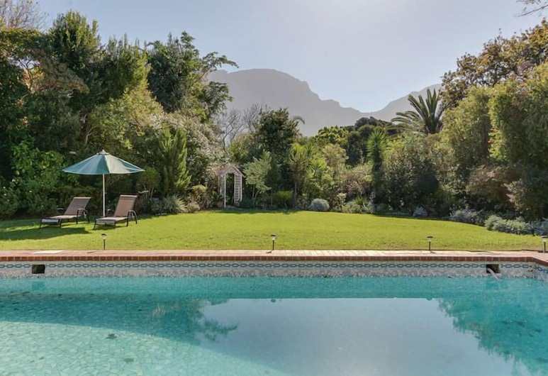 Avenue Torquay, Cape Town, Outdoor Pool