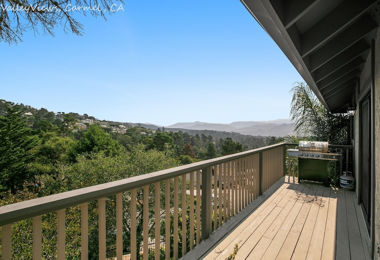 Newly Remodeled 4br 4ba With Bonus Room Spectacular Valley Views, Carmel